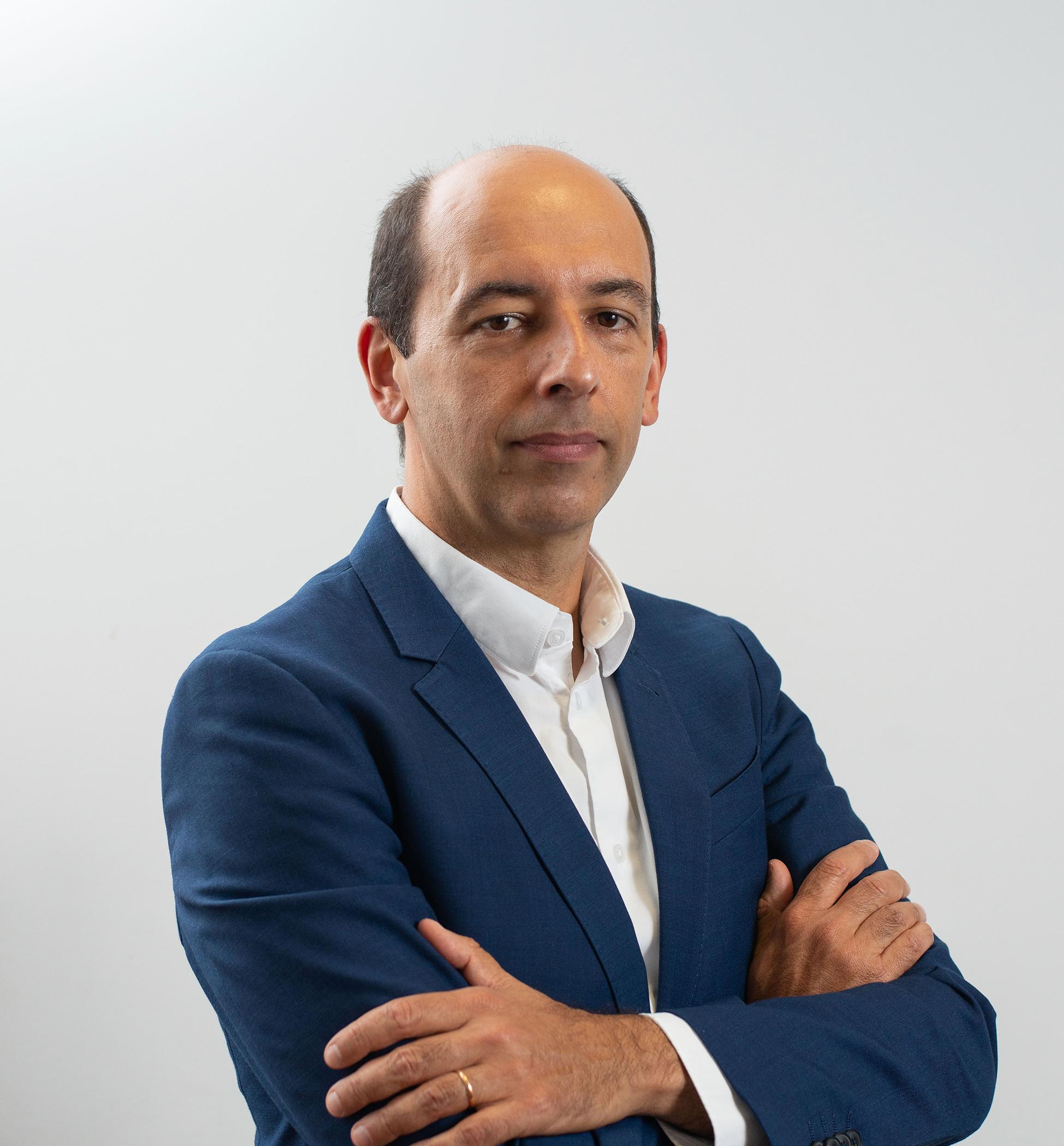PROFESSOR DR. CARLOS VIEIRA
